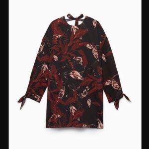 Aritzia Dresses - Aritzia Wilfred Charpont Dress Leaf Print Shift